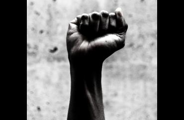 Nuestro Homenaje a las Mujeres - Pioneras de la Cosmética - Tierra de Ceibas